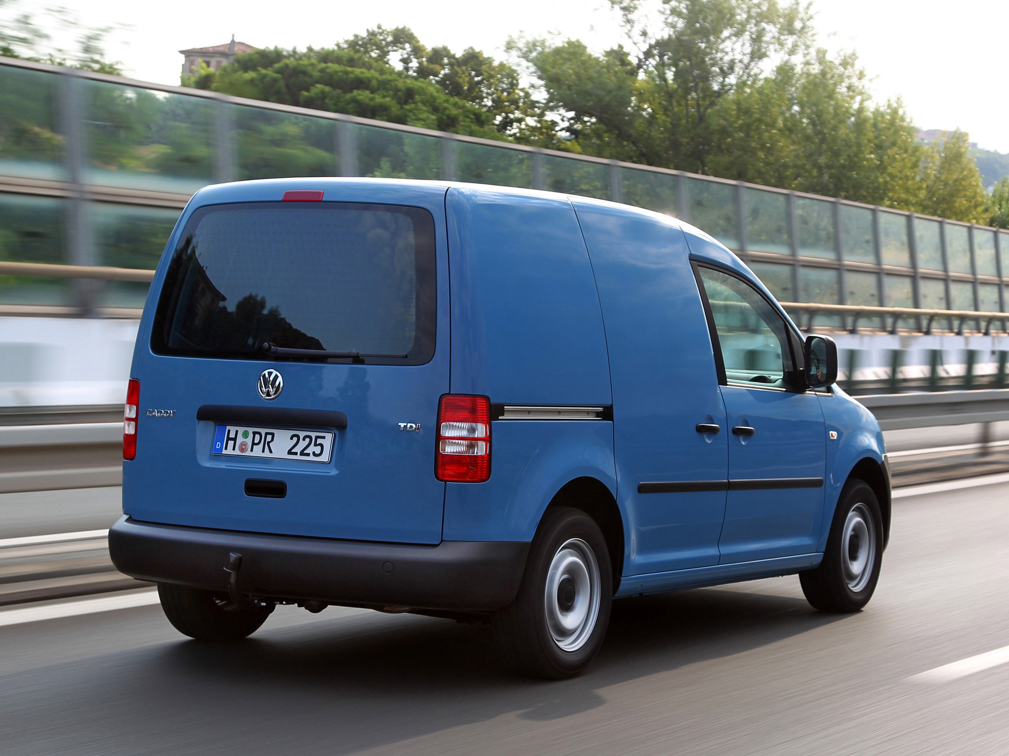 Фото автомобиля Volkswagen Caddy фургон